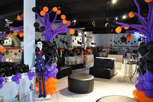 entrada-com-baloes-lilás-e-laranja.jpg