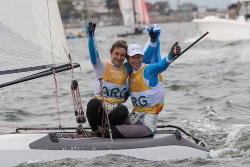 Sebastian Lange festeja título olímpico