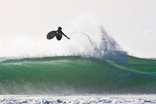 vasco-ribeiro-portugal-surf-red-bull-aéreo-2013.