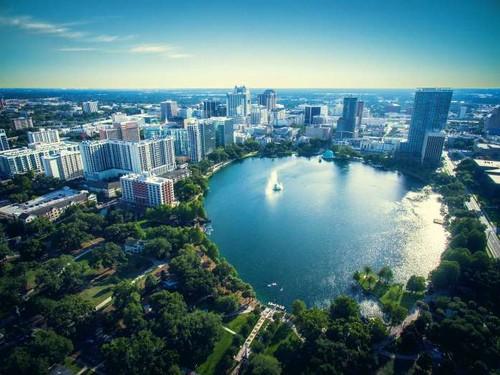 Lago Eola Park em Orlando, Flórida, EUA     - fot