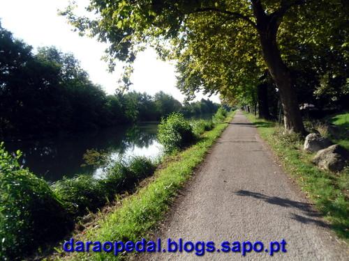 Canal_midi_dia_01_02.JPG