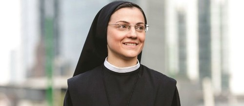 SISTER CRISTINA  A SURPREENDENTE VENCEDORA DO THE VOICE ITALIA LANÇA O SEU ÁLBUM DE ESTREIA