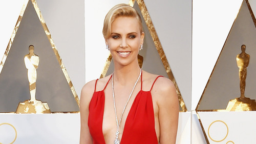 1280_charlize_theron_getty512919460[1].jpg