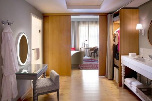 luxury-hotel-vacation-destination-chicago-virgin-h
