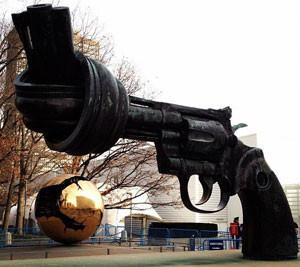 sculpture-nonviolence-un.jpg