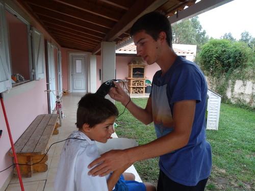 Cortando o cabelo.JPG