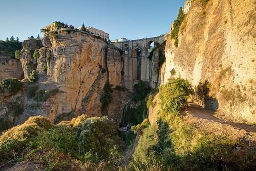 the puente nuevo.jpg