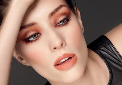 O-que-é-Maquiagem-Monocromática-2 (1).jpeg