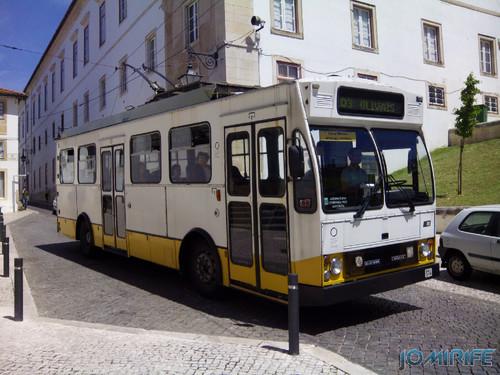 Autocarro eléctrico SMTUC de Coimbra na Sé Nova [en] Trolley bus SMTUC of Coimbra Portugal