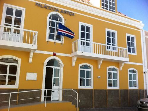 CaboVerde-PalacioJustica.jpg
