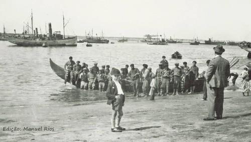 lugar de descarga no porto de Matosinhos.jpg