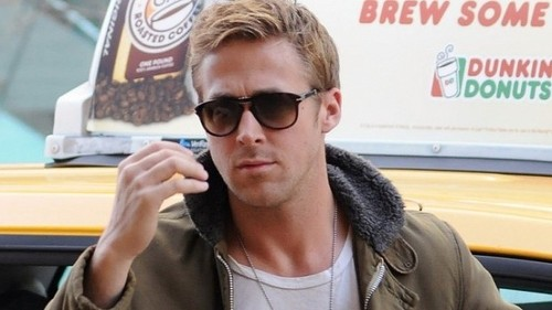 Ryan-Gosling-Dyed-His-Hair-and-the-World-Is-Freaki