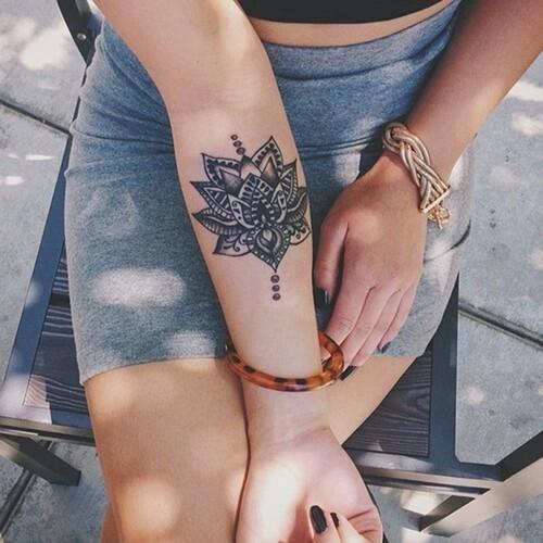 40-Cute-Small-Tattoo-Ideas-For-Girls-34.jpg
