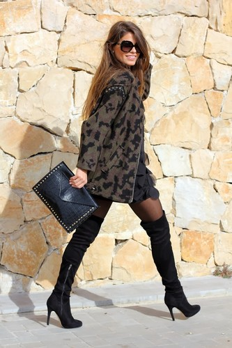 Over the Knee Boots 3 - Knee Boots.jpg