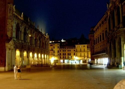 Vicenza-di_notte.jpg