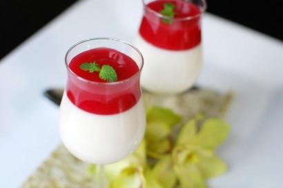 lychee-panna-cotta-with-guava-gelee-410x273.jpg