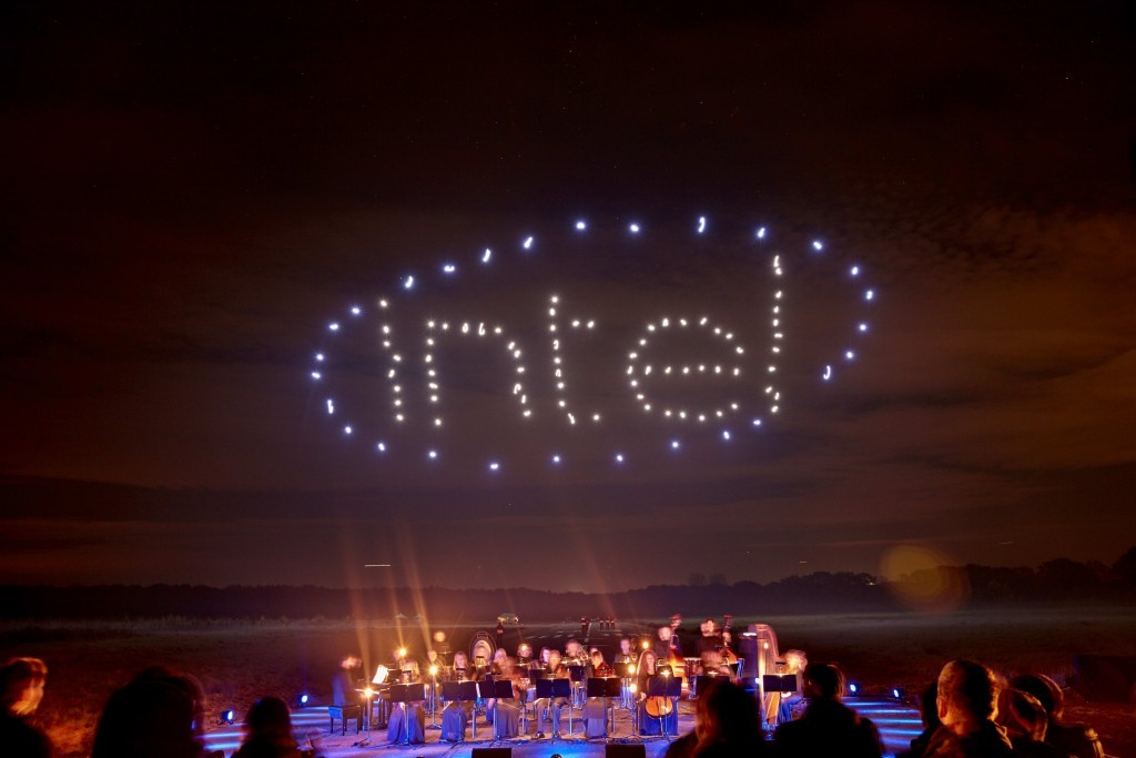 Intel-Drone-100-Light-Show2-1024x683.jpg