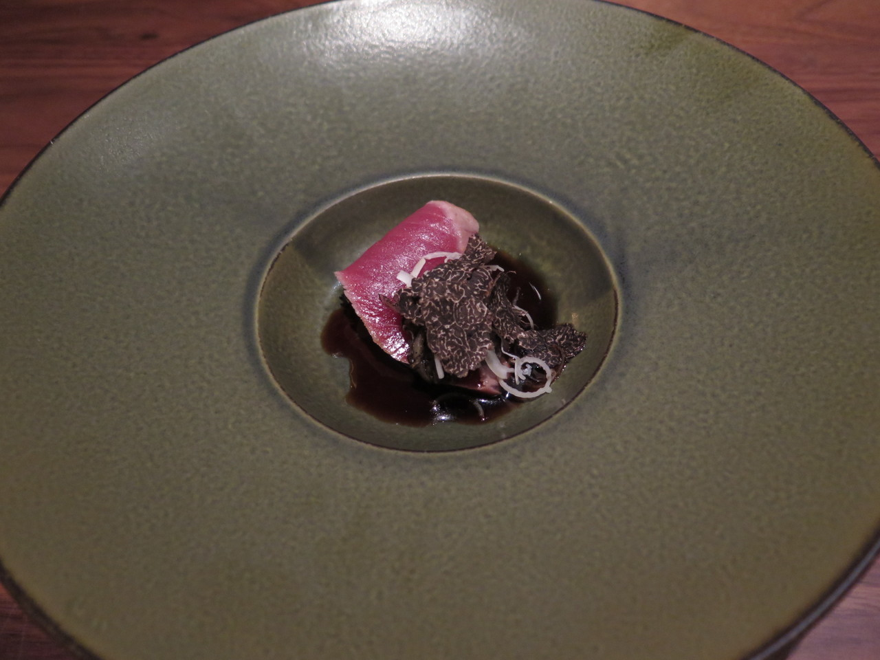 BLUEFIN TUNA TATAKI smoky pickled onions, perigord truffle