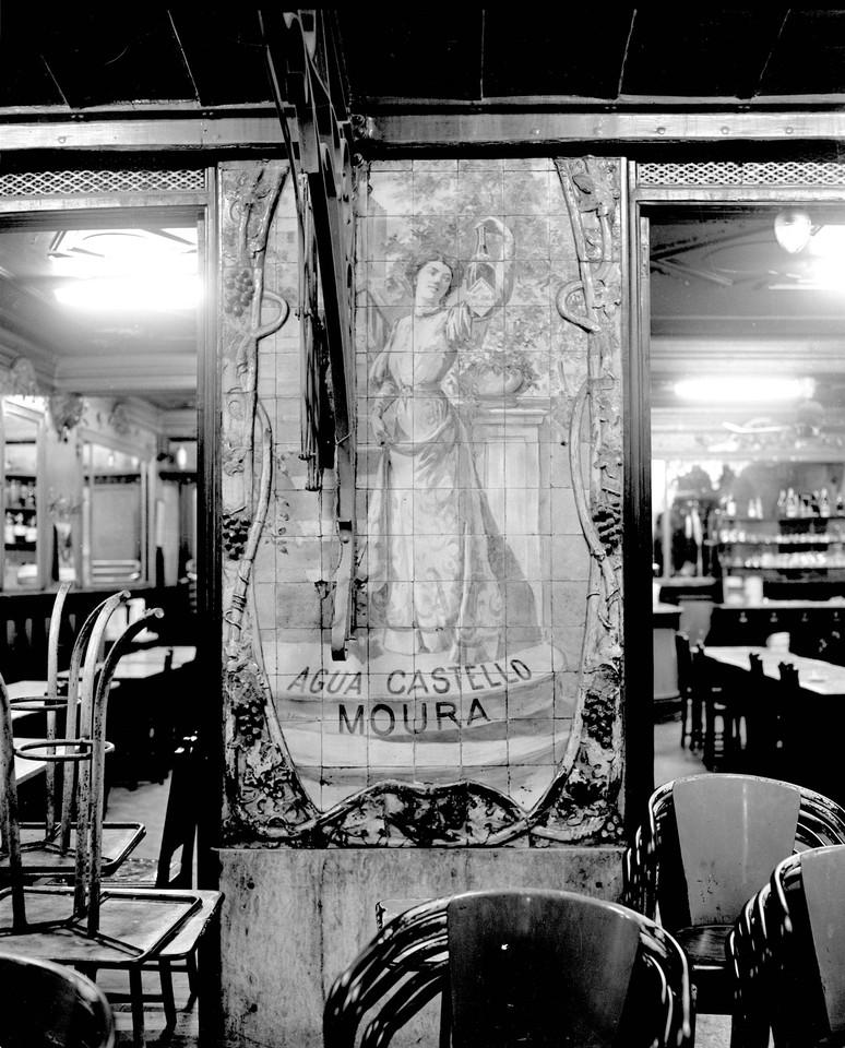 Azulejos existentes no Café Royal, 1958.jpg
