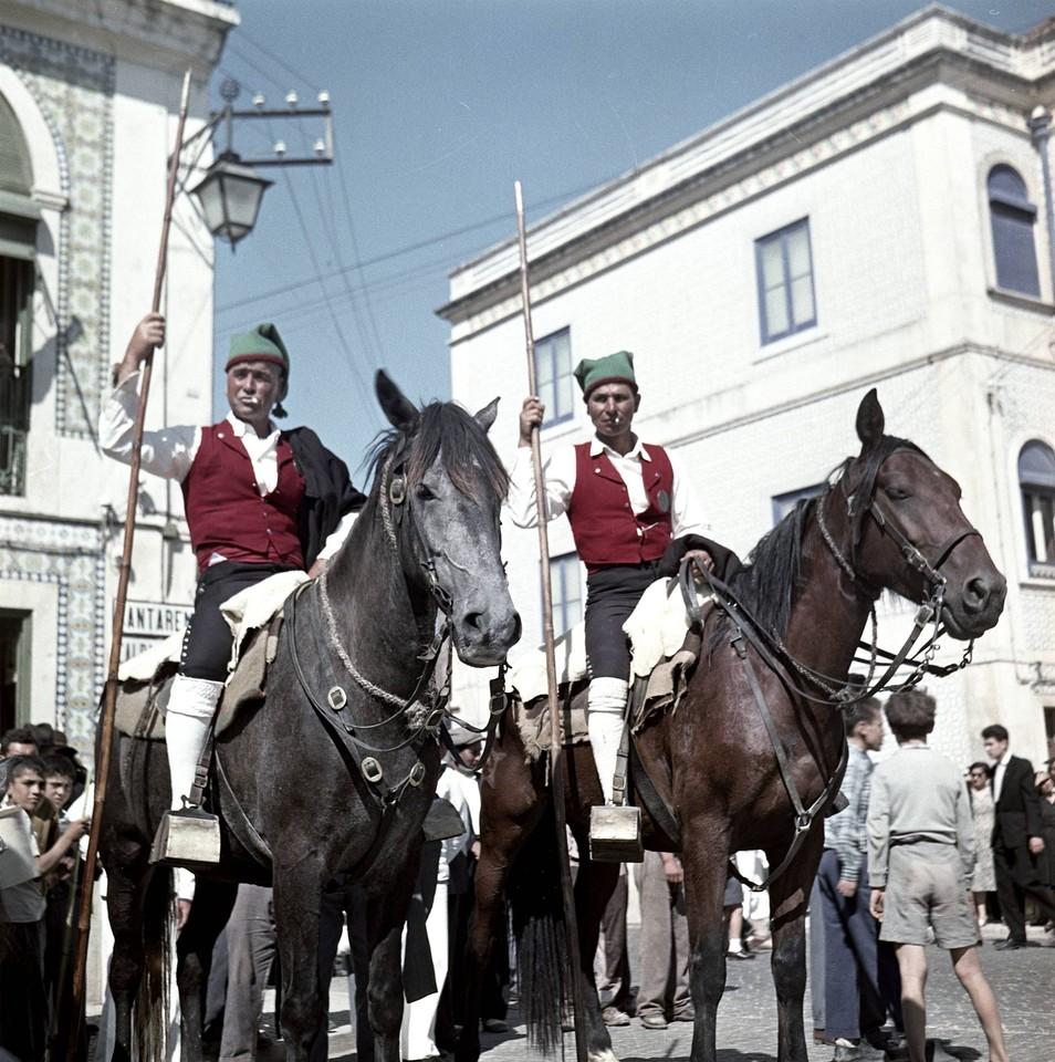 Campinos no Colete Encarnado, Vila Franca de Xira (A. Ferrari, 1950-70; A.P.C.M.L., FER006431)