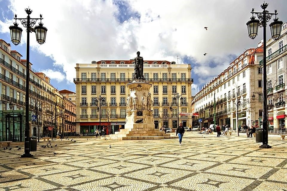 Lisboa de Luca Galuzzi.jpg