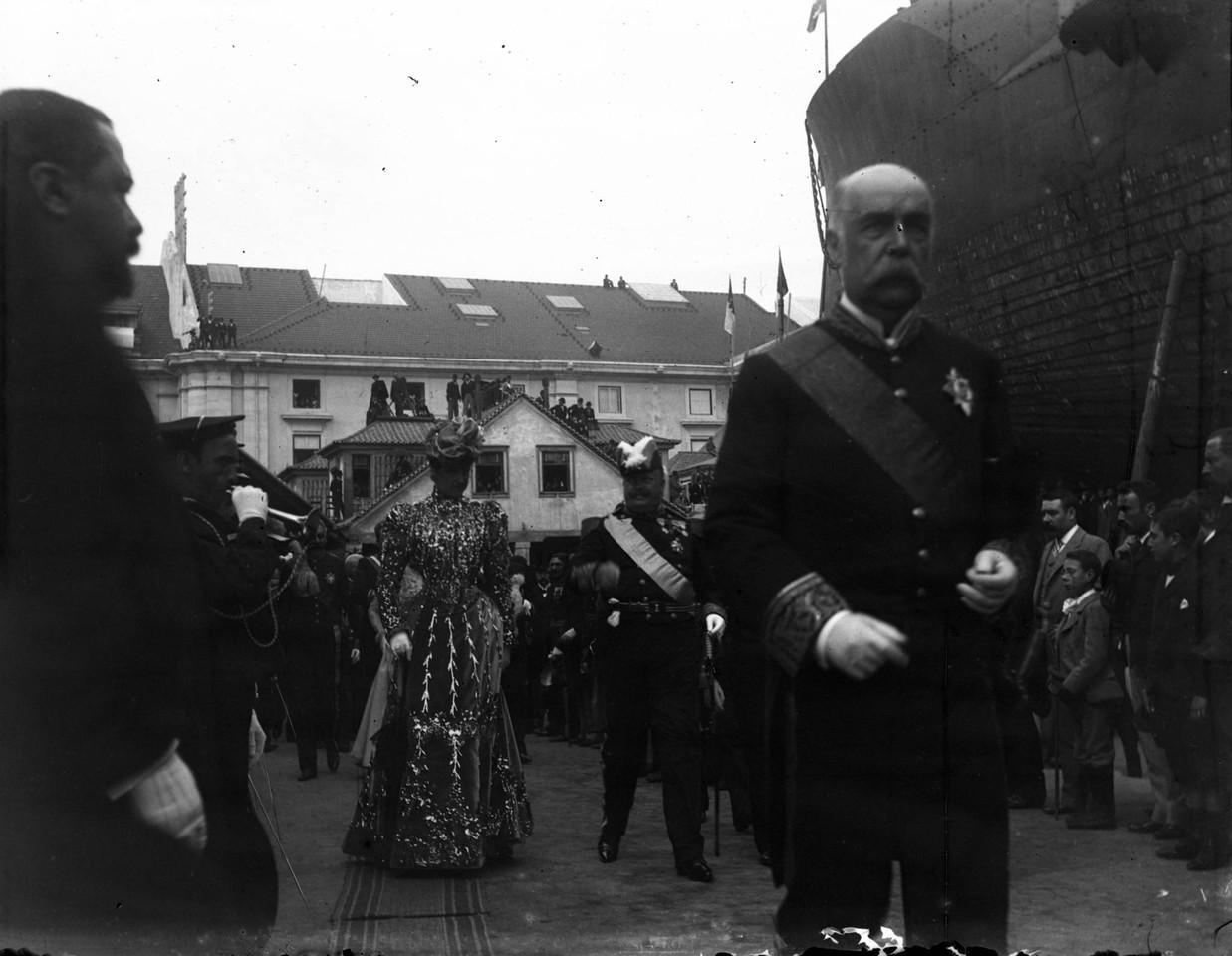 Dom Carlos e a rainha dona Amélia, 1899, foto de