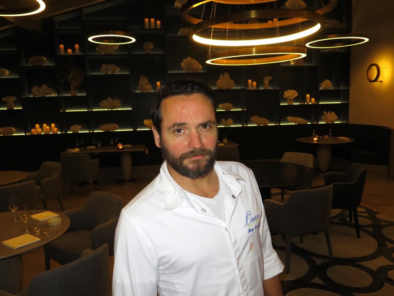 Hans Neuner na renovada sala de jantar do OCEAN