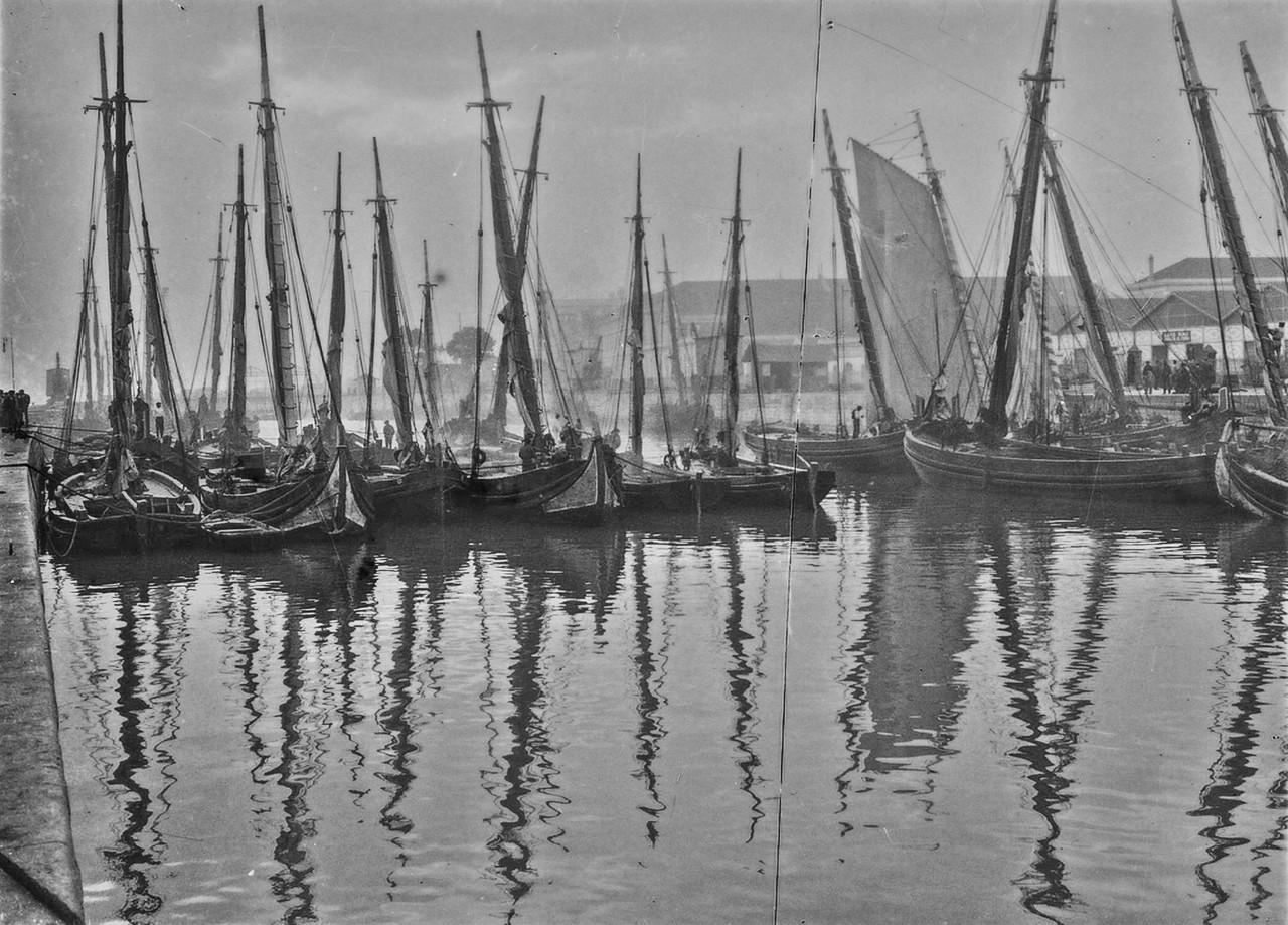 Fragatas, doca da alfândega (J. Benoliel, 1912; A.F.C.M.L.A6887)