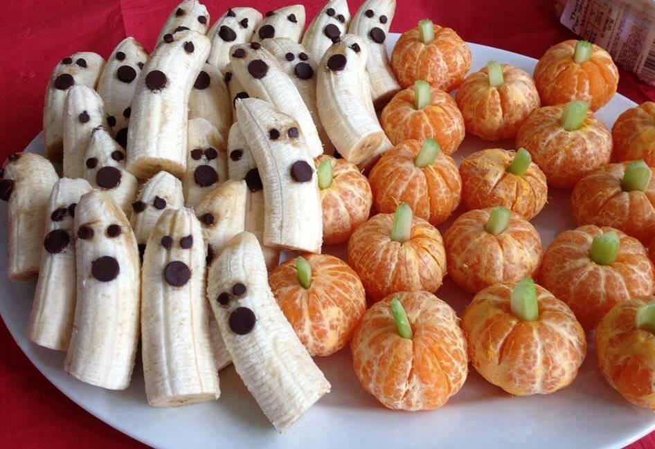 (Bananas e tangerinas de Halloween)