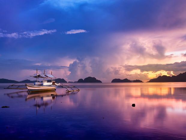 54381804f2f192ac5aefe696_palawan-philippines-boat-