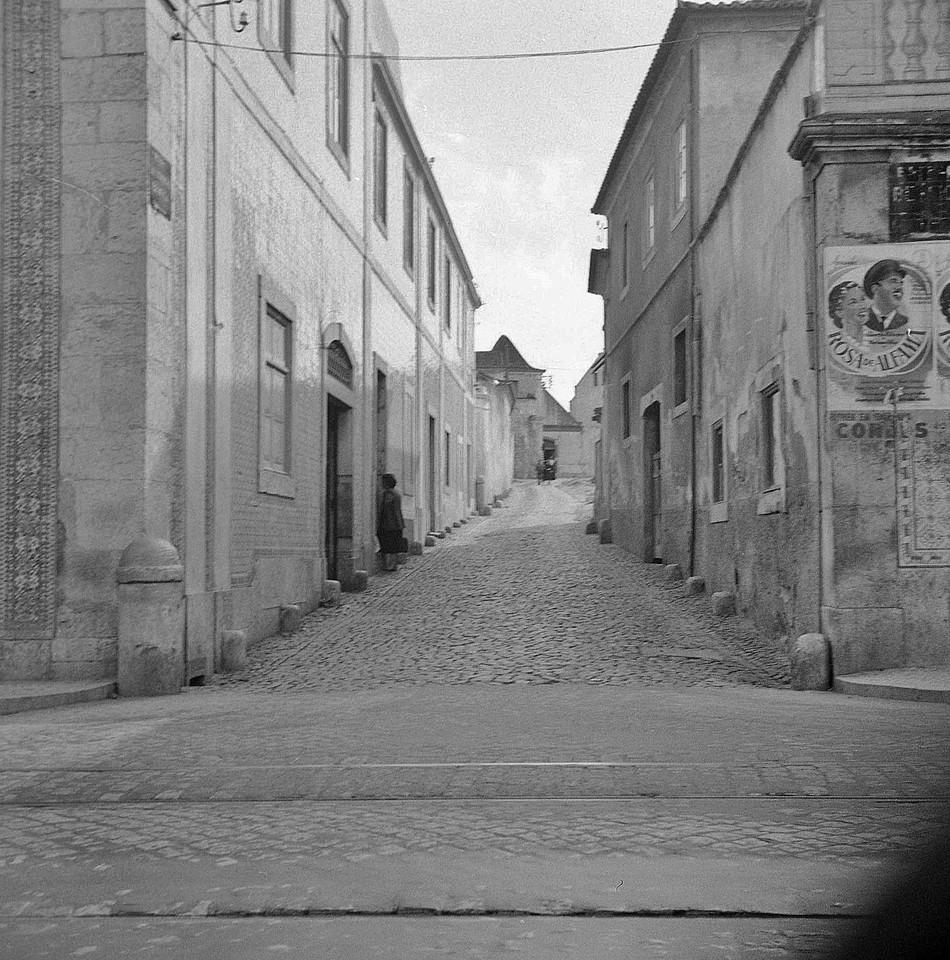 Rua de S. Domingos de Benfica, Cruz da Pedra —  (F. M. Pozal, 194...)