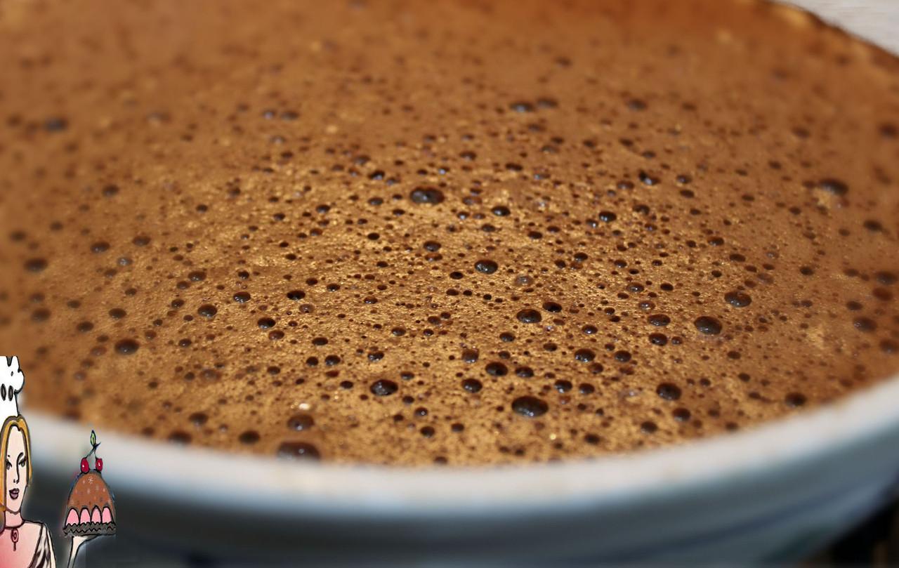 mousse de chocolate com aroma de morango doce