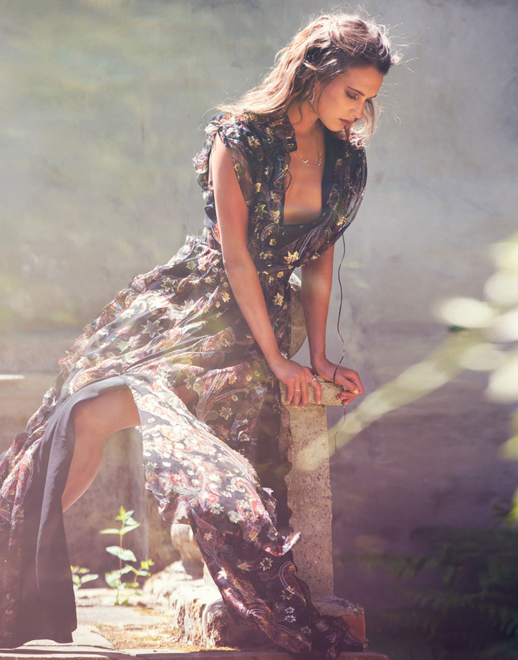 alicia-vikander-by-david-bellemere-for-the-edit-ma