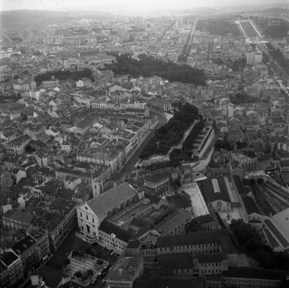 Fotografia aérea da Igreja de São Roque e da zon
