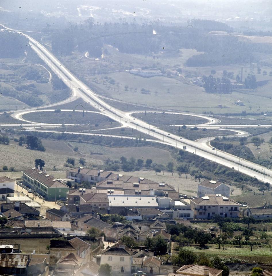 Nó da auto-estrada, Almada (A. Pastor, 1973)