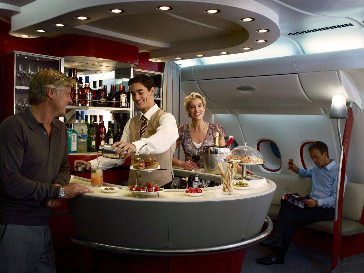 A380-Onboard-lounge.jpg