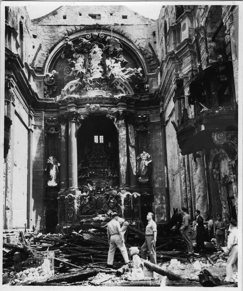 Igreja de São Domingos, rescaldo do incêndio, fo