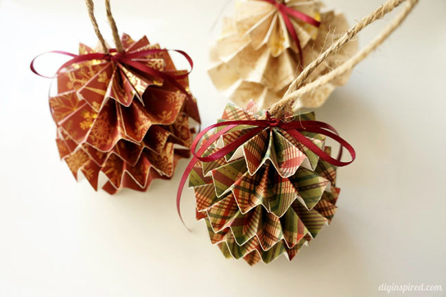 DIY-Paper-Christmas-Ornaments.jpg