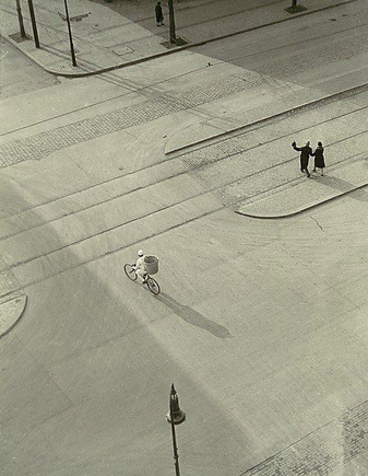 László Moholy-Nagy, NYC 1930.png