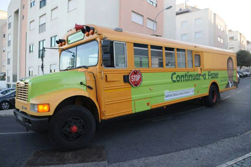 Autocarro laranja verde alface.jpg
