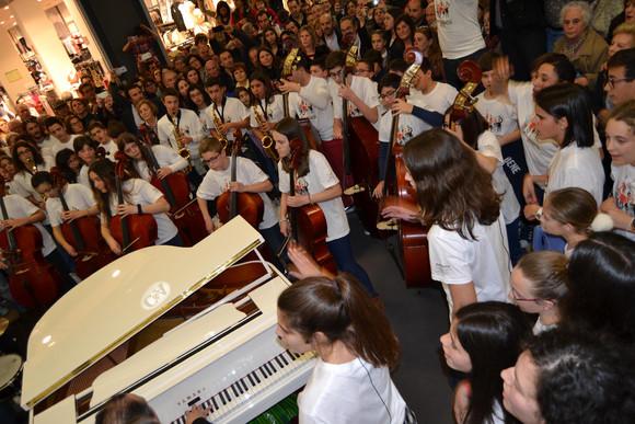 Flashmob marcou o arranque das comemorações da F