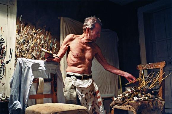 DAWSON_2005_Lucian_Freud_Working_At_Night.jpg