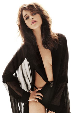 Emilia-Clarke-Braless-In-The-April-2012-Issue-Of-G