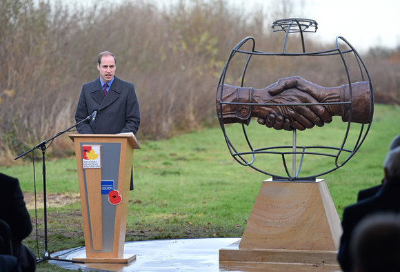 HRH+Duke+Cambridge+President+FA+Unveil+Christmas+B