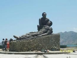 Monumento dedicado aos heróis do 12 de Novembro
