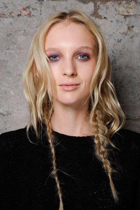 Vera-Wang-plaits-Vogue-12Jun15-Indigital_b_592x888