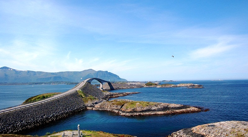 The-Atlantic-Road-spectacular-road-in-Norway_Majes