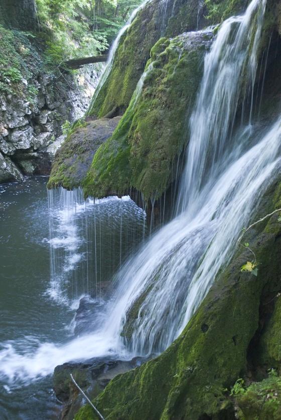 bigar-waterfall.jpg