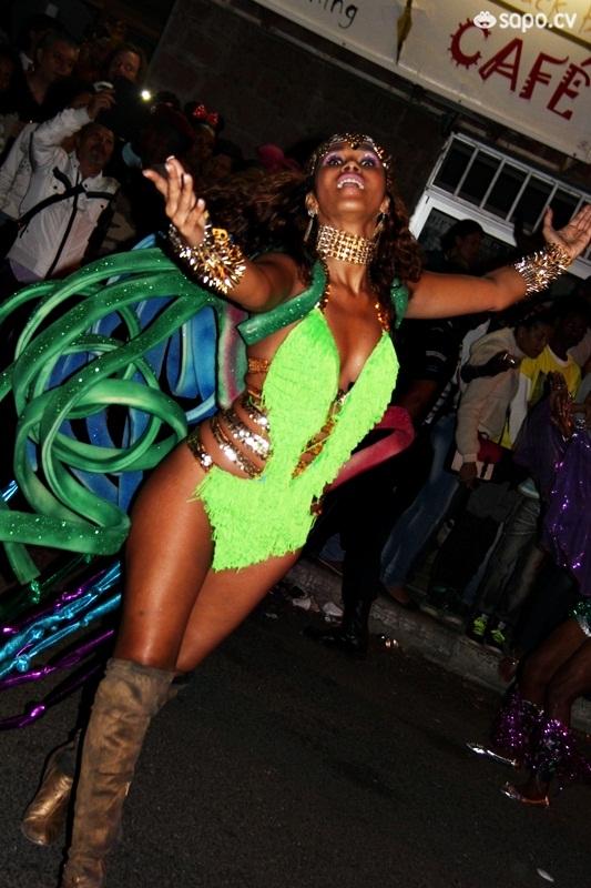 Desfile Samba Tropical