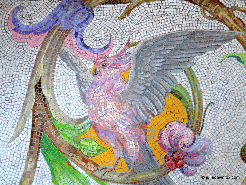 Pink-parrot-Quinta-da-Regaleira-Sintra.jpg